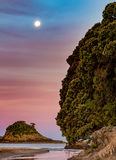 Maan over Hahei Stock Afbeeldingen