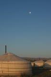 Maan over Kamp Yurt in de Woestijn van Gobi Royalty-vrije Stock Foto