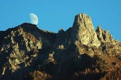 Maan over Pierre Avoi Stock Fotografie