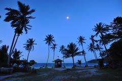 Maan vóór Zonsopgang Stock Afbeeldingen