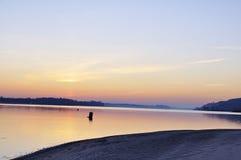 Mañana hermosa del invierno en el río Imagen de archivo
