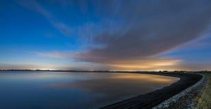 Maanbeschenen reservoir Royalty-vrije Stock Foto's