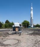 Maanlander en Saturn V raket Royalty-vrije Stock Foto's