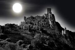 Maanlicht bij het verlaten dorp van Craco in Basilicata Royalty-vrije Stock Foto