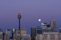 Maanstijging over Sydney royalty-vrije stock afbeeldingen