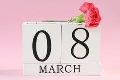 8 maart-achtergrond met bloemen Royalty-vrije Stock Foto's