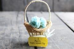 8 maart De Dag van de internationale Vrouw, bloemkaart met rozen Stock Afbeeldingen