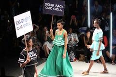 20 Maart, 2015 - Johannesburg, SA De baan van de modellengang door Mantsh Royalty-vrije Stock Foto