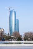 15 maart, 2017, 151 Neftchilar Weg, Baku, Azerbeidzjan Bouw van commercieel centrum Stock Afbeelding