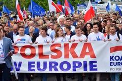 Maart ?Polen in Europa ? Duizenden oppositieverdedigers marcheerden in het Poolse kapitaal om Europese Unio van de natie te viere stock afbeelding