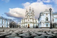 22 maart, 2015 St. Petersburg van Rusland, Smolny-Kathedraal Royalty-vrije Stock Foto