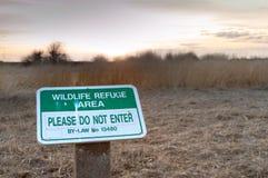 18 maart, 2019 - Surrey, BC: Het wildvoorschrift geen ingangsteken, het Park van de Modderbaai royalty-vrije stock foto