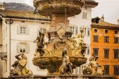 30 maart 2018 Trento, Italië De fontein van Neptunus Stock Afbeeldingen