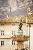 30 maart 2018 Trento, Italië De fontein van Neptunus Stock Foto