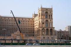 15 maart, vierkante de Vrijheid van 2017, Baku, Azerbeidzjan De bouw van de terminal voor de concurrentie van Formule 1 in Govern Royalty-vrije Stock Foto