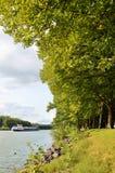 Maas Waal kanal i Nijmegen Nederländerna arkivfoton