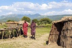 MAASAI人在马塞人玛拉公园,肯尼亚 免版税库存照片