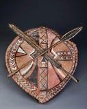 Maasai矛头和盾 库存图片
