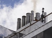 Maasdam för kryssningskepp buntar Arkivfoton