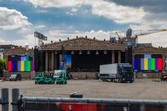 Maastricht et la place de Vrijthof étant prête pour les concerts annuels d'air ouvert du joueur Andre Rieu de violon images libres de droits