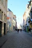 Maastricht gammal i stadens centrum gata - Nederländerna Arkivfoton
