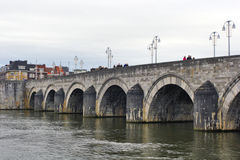 Maastricht, Países Bajos - puente de StServatius Fotografía de archivo libre de regalías