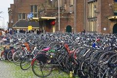 Maastricht, Pays-Bas - stationnement de bicyclette Photo libre de droits
