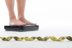 Maatregelenschaal voor controle uw gewicht royalty-vrije stock afbeelding