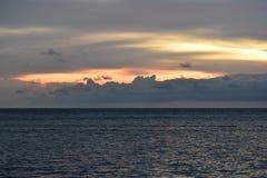 Mabul orange himmel och hav Royaltyfri Foto