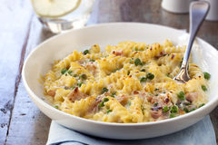 Mac and Cheese with Ham and Peas Stock Image