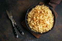 MAC en kaas gebakken deegwaren royalty-vrije stock foto