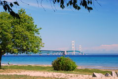 Mac poderoso, el puente de Mackinac a la península superior fotos de archivo