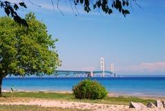 Mac puissant, le pont de Mackinac à la péninsule supérieure Photos stock