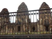 macaco no templo do yot de sam do prang Foto de Stock
