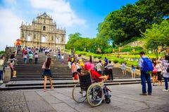 Macao, Cina 18 settembre 2015: Le rovine del ` s di St Paul è una chiesa da 17 secoli e quella portoghesi dei punti di riferiment immagini stock libere da diritti