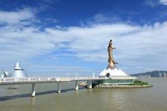 Macao: Statyn av den Guanyin akagudinnan av förskoning royaltyfri bild