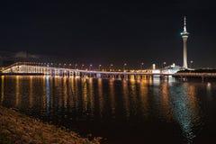 Macao-Turm nachts Stockfotos