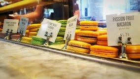 Macaron在商店 免版税图库摄影