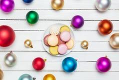 Macaron auf Platte Stockfoto