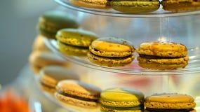 Macaron coloful efterrätt Royaltyfri Bild