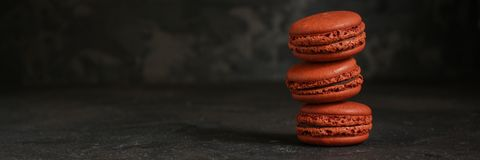 Macaron ou cookie dos bolinhos de amêndoa, sobremesa saboroso Fundo do alimento foto de stock royalty free