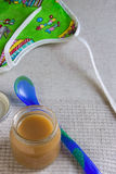 macaroni τροφίμων ανασκόπησης μωρών ακατέργαστο λευκό Στοκ εικόνες με δικαίωμα ελεύθερης χρήσης