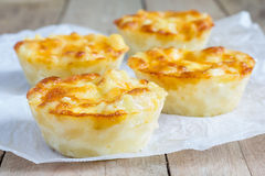Macaroni and cheese baked as a little pies Royalty Free Stock Photography
