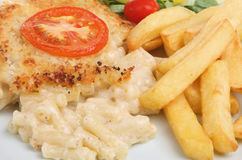 Macaroni Cheese & Chips. Macaroni cheese with chips and salad Royalty Free Stock Photos