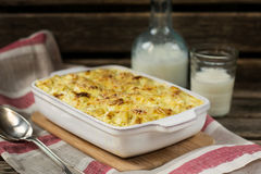 Macaroni and cheese gratin with feta Royalty Free Stock Photos