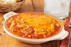 Macaroni en rundvlees stock foto's