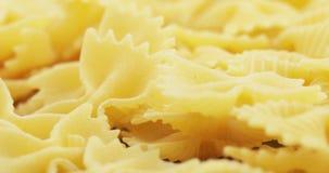 Macaroni Farfalle in massa stock video