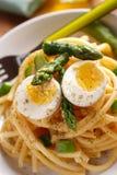 Macaroni met asperge Stock Afbeeldingen
