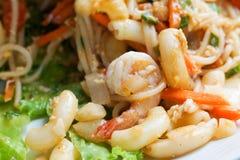 Macaroni met garnalen Stock Foto