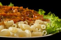 Macaroni met saus royalty-vrije stock afbeelding